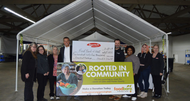 Strack & Van Til Holiday Giving Campaign Raises $165,020 for Food Bank of Northwest Indiana